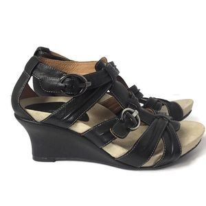 Earthies Lucia Too Wedge Sandals